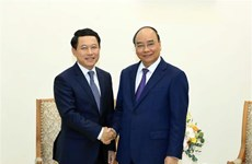 越南总理阮春福会见老挝外交部长沙伦赛