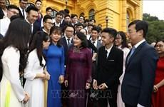邓氏玉盛:年轻一代对越南的建国卫国事业做出重要贡献