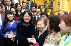 邓氏玉盛会见儿童保护基金会2019年主要赞助商