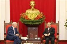 陈国旺会见哈佛大学越南项目主任托马斯·瓦勒利