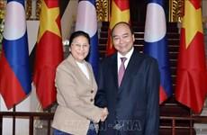 越南政府总理阮春福会见老挝国会主席巴尼·亚陶都