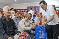 100户越裔柬埔寨人家庭获得春节礼物
