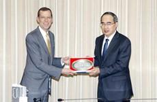 胡志明市希望同美国加强教育领域的合作