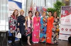加拿大总理高度评价越南侨胞们的积极贡献