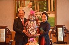 柬埔寨多省市代表团走访坚江省并致以新春祝福