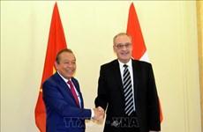 巩固越南与瑞士的合作关系