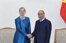 越南政府总理阮春福会见瑞典新任驻越大使
