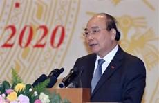 阮春福总理:越南拥有多家先进的电信和信息技术企业有足够能力参与电子政务建设