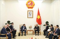 越南政府总理阮春福会见俄罗斯反腐局局长谢尔盖维奇