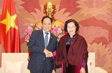 越南国会主席阮氏金银会见韩国驻越大使朴卢万