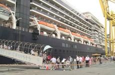 岘港市仙沙港纷纷接待多艘国际邮轮