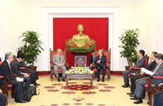 越共中央书记处常务书记陈国旺会见日越友好议员联盟特别顾问