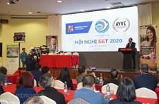 捷克副总理高度评价越南企业的法律意识