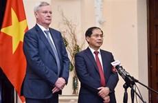 越南与俄罗斯在地区和国际论坛上加强合作