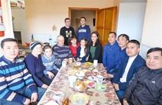 乌克兰报刊纷纷报道旅敖德萨越南人为火灾灾民捐款援助活动