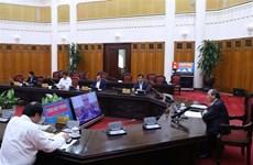 政府总理阮春福与朔庄省主要领导举行视频会议