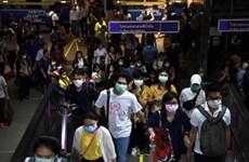 泰国警方从严处理违反宵禁命令人员