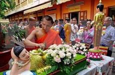 越南政府总理阮春福向高棉族同胞致以传统新年祝福