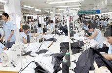 新冠肺炎疫情:越南工贸部协助5000家企业寻找出口市场