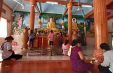 越南高棉族同胞喜迎传统新年不忘防疫任务