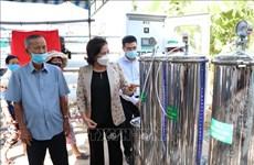 国会主席阮氏金银出席槟椥省RO净水器移交仪式