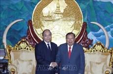 越南政府总理阮春福出席原老挝政府总理西沙瓦·乔本潘大将的国葬仪式
