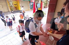 CNN:越南人的生活慢慢地恢复了日常节奏