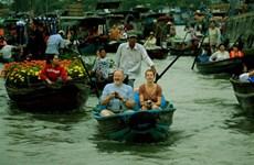 芹苴市努力恢复社交距离后的旅游活动