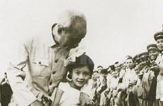 五岁中国小女孩第一次见到胡伯伯的难忘回忆