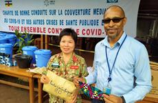 越南蓝色贝雷帽战士与中非人民携手抗击新冠肺炎疫情