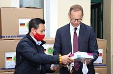德国柏林市市长高度评价旅德越南人的慈善活动