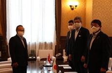 日本众议员高度评价越南新冠肺炎疫情防控工作取得的积极成果