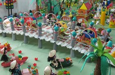 变废物为玩具   鼓励儿童将破旧物品变成创意