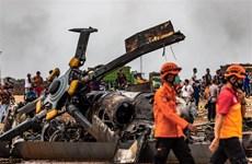 印尼军方一架直升机坠毁致9人伤亡