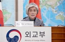 韩国官员与东盟领导就双边合作通电话