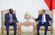 越南政府总理阮春福会见世界银行驻越南首席代表迪奥