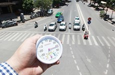 首都河内高温晴晒天气炎热 最高温度高达40摄氏度
