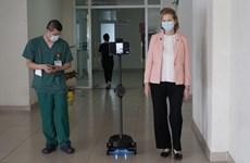 联合国开发计划署向越南赠送机器人 以防护防疫一线医护人员的健康安全