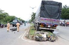阮春福总理要求有关单位避免严重交通事故发生