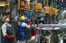 提高竞争能力,促进辅助工业发展