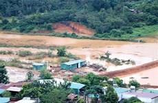 自然灾害给越南多地造成巨大损失