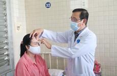 胡志明市:一名脑死亡者捐赠眼角膜  让两人重见光明