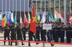 """越南军队代表团参加在俄罗斯举行的""""军队-2020""""国际军事技术论坛暨""""国际军事比赛-2020"""""""