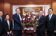 老挝领导庆祝越南国庆75周年