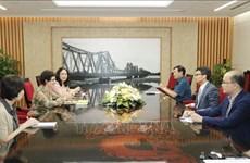 政府副总理武德儋会见联合国艾滋病规划署驻越南代表埃蒙德