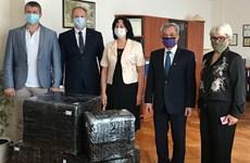 越南驻乌克兰大使走访胡志明主席重点外语学校