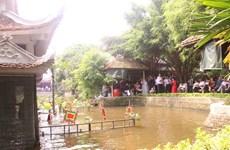 北宁省顺成县的独特的同鱼村水上木偶戏