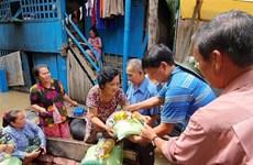 紧急救援在柬埔寨磅士卑省的越裔灾民