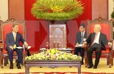 越共中央总书记、国家主席阮富仲会见日本首相菅义伟