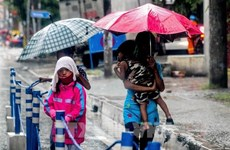 """台风""""莫拉菲""""登陆菲律宾吕宋岛 致12名渔民失踪"""